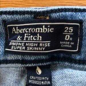 Abercrombie & Fitch Jeans - Abercrombie & Fitch High Rise Super Skinny Jeans